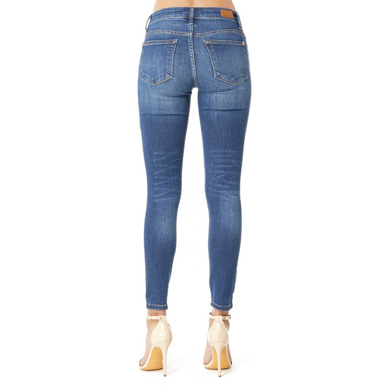 Judy Blue Mid Rise Handsand Skinny Jeans in Medium Wash Color