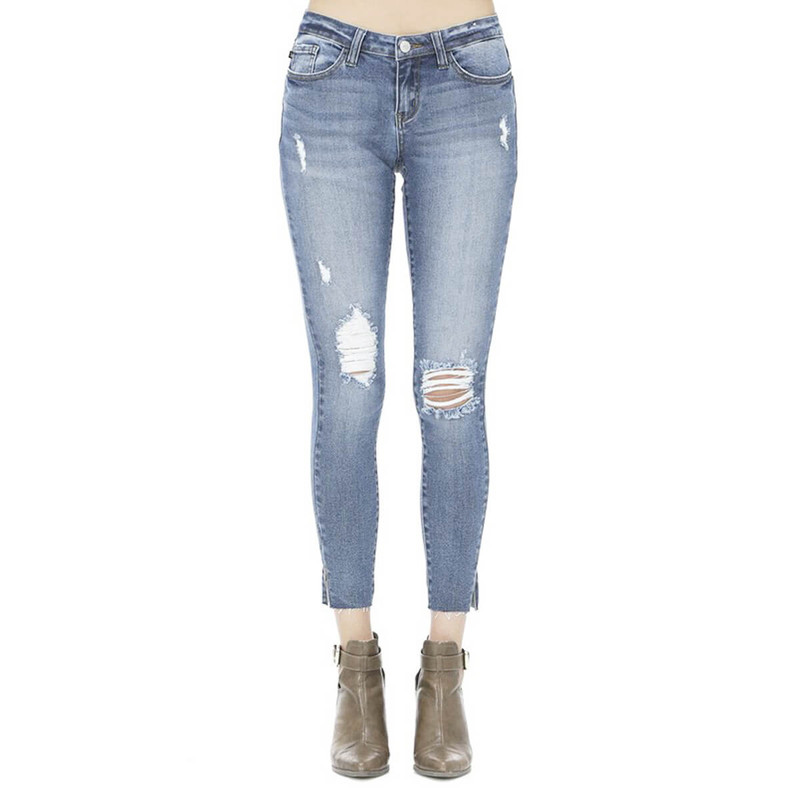 Judy Blue Mid Rise Vintage Skinny Jeans in Light Wash Color